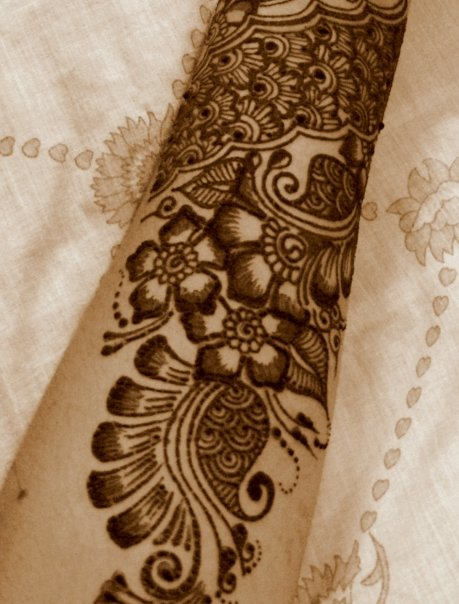 Mehndi Hand Outline : Mehndi designs with outline makedes